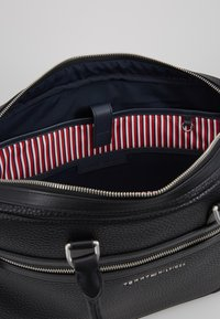 Tommy Hilfiger - DOWNTOWN COMPUTER BAG - Laptop bag - black - 4