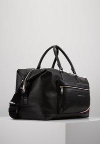Tommy Hilfiger - DOWNTOWN DUFFLE - Weekend bag - black - 3
