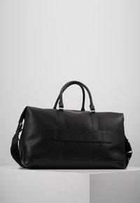 Tommy Hilfiger - DOWNTOWN DUFFLE - Weekend bag - black - 2