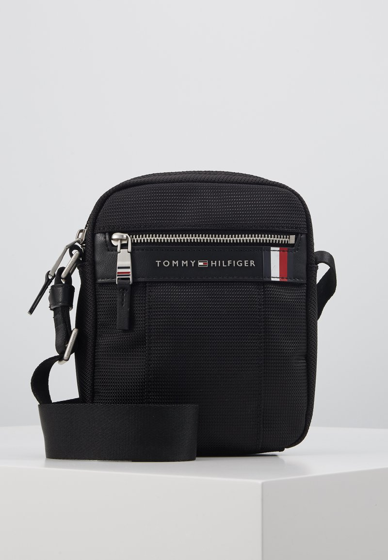 Tommy Hilfiger - ELEVATED NYLON MINI REPORTER - Torba na ramię - black