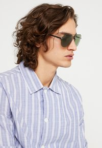 Tommy Hilfiger - Sunglasses - dark grey - 1