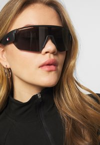 Tommy Hilfiger - Sunglasses - black - 1