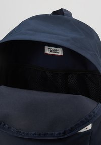 Tommy Jeans - COOL CITY BACKPACK - Ryggsekk - blue - 4