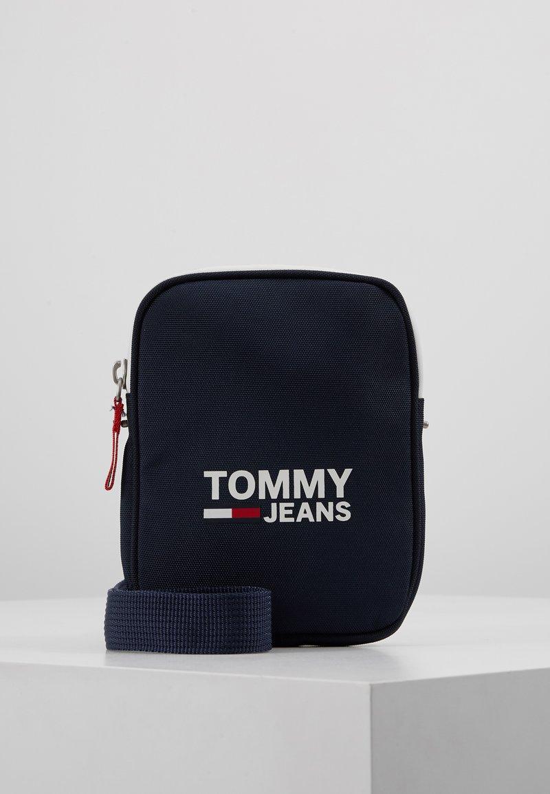Tommy Jeans - COOL CITY COMPACT - Axelremsväska - blue