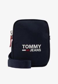 Tommy Jeans - COOL CITY COMPACT - Axelremsväska - blue - 6