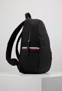 Tommy Hilfiger - ESSENTIAL BACKPACK - Tagesrucksack - black - 3