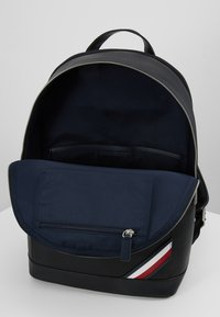Tommy Hilfiger - DOWNTOWN BACKPACK - Ryggsekk - black - 4