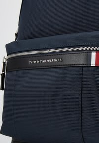 Tommy Hilfiger - ELEVATED BACKPACK - Rucksack - blue - 4
