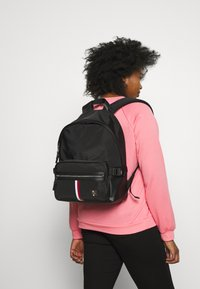 Tommy Hilfiger - CLEAN BACKPACK - Sac à dos - black - 5