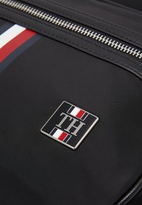 Tommy Hilfiger - CLEAN BACKPACK - Sac à dos - black - 4