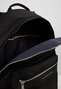 Tommy Hilfiger - ELEVATED BACKPACK - Rucksack - black - 4