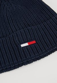 Tommy Jeans - BASIC FLAG BEANIE - Čepice - blue - 5
