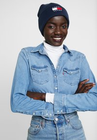 Tommy Jeans - HERITAGE FLAG BEANIE - Beanie - blue - 3