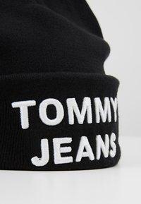 Tommy Jeans - LOGO BEANIE - Muts - black - 5
