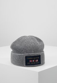 Tommy Hilfiger - OUTDOORS PATCH BEANIE - Muts - grey - 0
