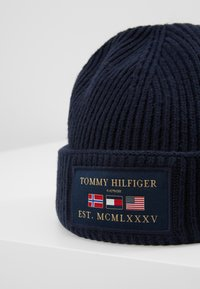 Tommy Hilfiger - OUTDOORS PATCH BEANIE - Pipo - blue - 3