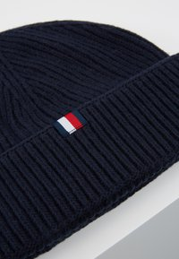 Tommy Hilfiger - OUTDOORS PATCH BEANIE - Beanie - blue - 6