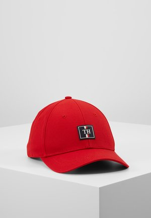 ELEVATED CAP - Cap - red