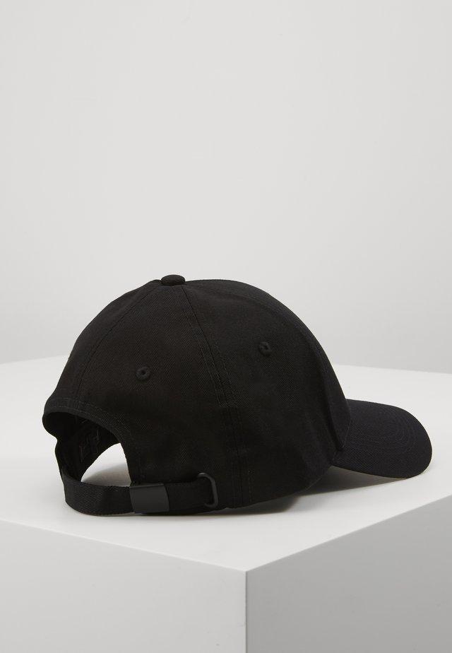 UPTOWN  - Lippalakki - black