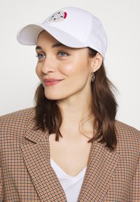 Tommy Hilfiger - ROUND PATCH  - Kšiltovka - white - 4