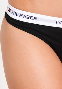 Tommy Hilfiger - THONG ICONIC - String - black - 3