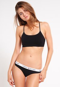 Tommy Hilfiger - THONG ICONIC - String - black - 1