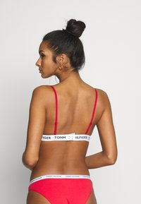 Tommy Hilfiger - PADDED BRA - Sujetador sin aros - tango red - 2