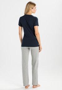Tommy Hilfiger - TEE - Pyjamashirt - blue - 2