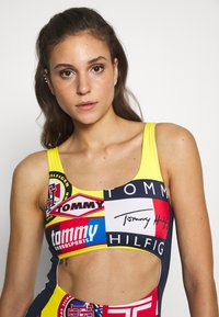 Tommy Hilfiger - CHEEKY ONE PIECE CUT OUT - Maillot de bain - bold yellow - 3