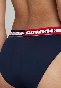 Tommy Hilfiger - LOGO - Bikini-Hose - navy blazer - 4