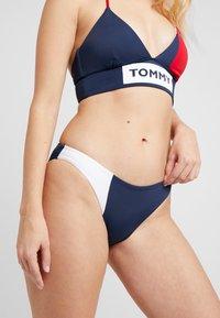 Tommy Hilfiger - BOLD CLASSIC - Bikinibroekje - tango red - 0