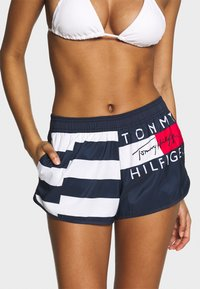 Tommy Hilfiger - Swimming shorts - red glare - 0