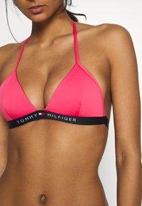 Tommy Hilfiger - CORE SOLID LOGO TRIANGLE - Bikini top - laser pink - 4