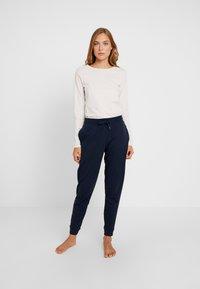 Tommy Hilfiger - ORIGINAL TRACK PANT - Pyjamasbukse - navy blazer - 1