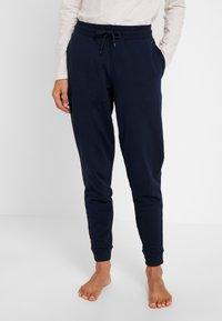 Tommy Hilfiger - ORIGINAL TRACK PANT - Pyjamasbukse - navy blazer - 0