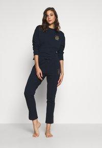 Tommy Hilfiger - PANT - Pyjamasbukse - navy blazer - 1