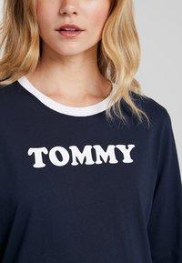 Tommy Hilfiger - SLEEP NIGHTDRESS - Noční košile - navy blazer - 4