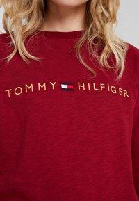 Tommy Hilfiger - ORIGINAL TRACK - Pyjamasoverdel - rhubarb - 5