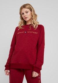 Tommy Hilfiger - ORIGINAL TRACK - Pyjamasoverdel - rhubarb - 0