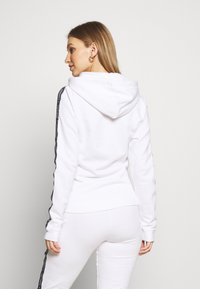 Tommy Hilfiger - AUTHENTIC HOODY - Sudadera con cremallera - classic white - 2