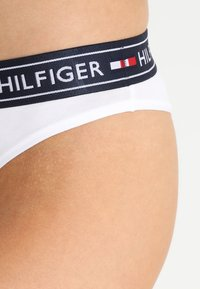 Tommy Hilfiger - AUTHENTIC THONG - String - white - 4