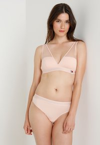 Tommy Hilfiger - THONG - String - pink - 1