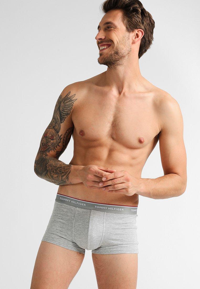 Tommy Hilfiger - PREMIUM ESSENTIAL LOW RISE HIP TRUNK 3 PACK - Panties - grey