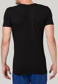 Tommy Hilfiger - PREMIUM ESSENTIAL 3 PACK - Undershirt - black - 3