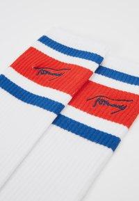 Tommy Hilfiger - JEANS VINTAGE CUT NERD - Chaussettes - white - 2