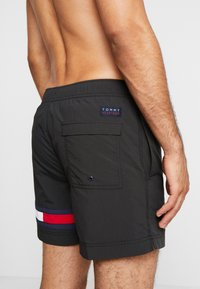 Tommy Hilfiger - MEDIUM DRAWSTRING - Plavky - black - 1
