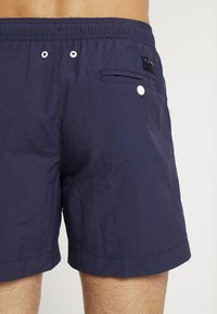 Tommy Hilfiger - MEDIUM DRAWSTRING - Short - navy blazer