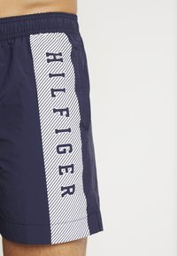 Tommy Hilfiger - MEDIUM DRAWSTRING - Short - navy blazer - 3