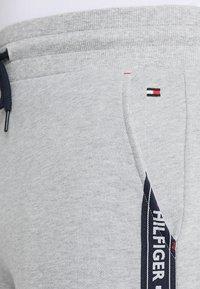 Tommy Hilfiger - TRACK PANT - Spodnie od piżamy - grey - 4