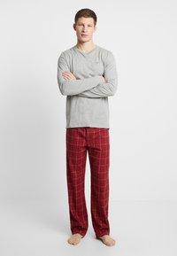 Tommy Hilfiger - PANT SET - Pijama - red/mottled grey - 0